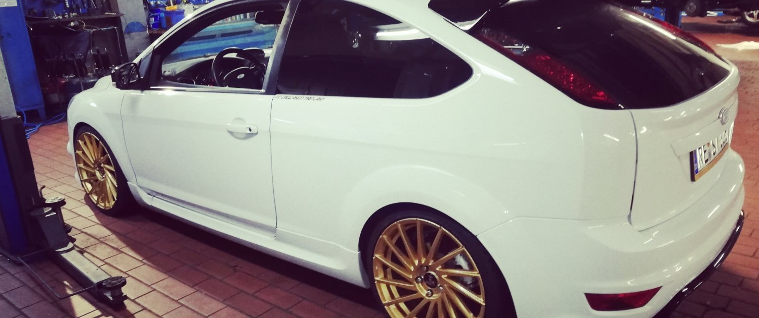 Ford – Focus – ULTRA WHEELS – UA9 – Storm – Gold – 19 Zoll