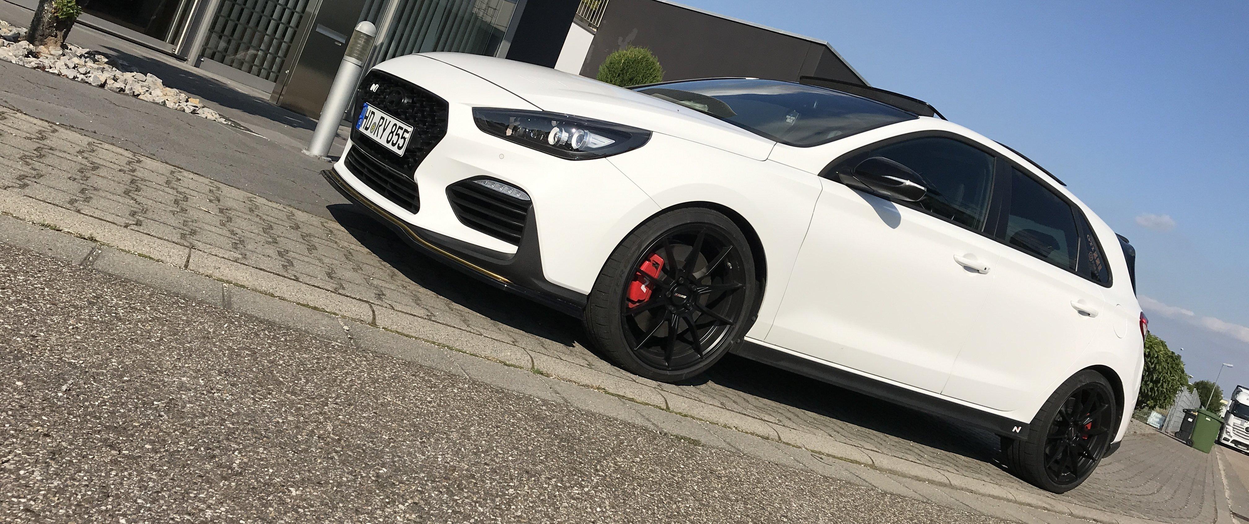 Hyundai – i30 – Weiß – MOTEC – Ultralight – Schwarz – 19 Zoll
