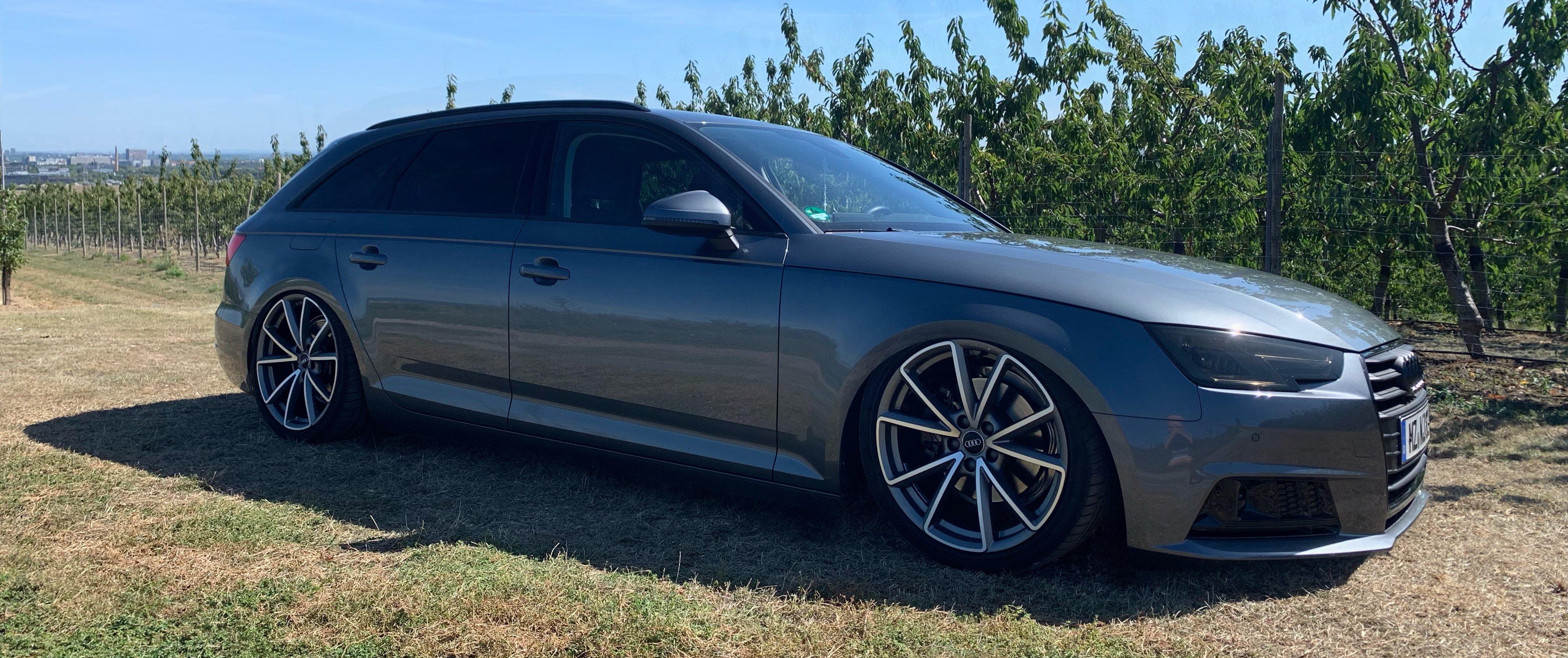 Audi – A4 – Silber – ORIGINAL AUDI – 5-V-Speichen-Design – Titan – 19 Zoll