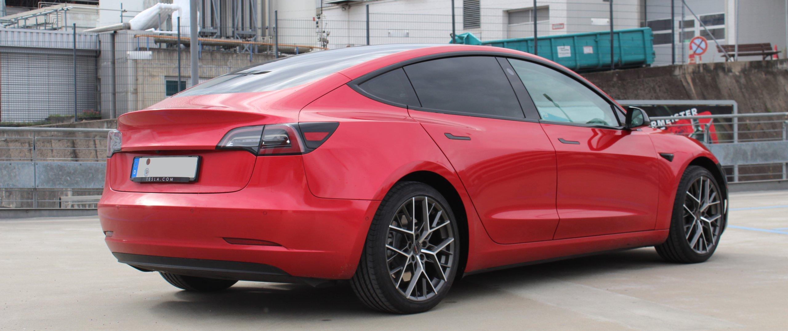 Tesla – Model 3 – Rot – BORBET – BY – Anthrazit – 19 Zoll
