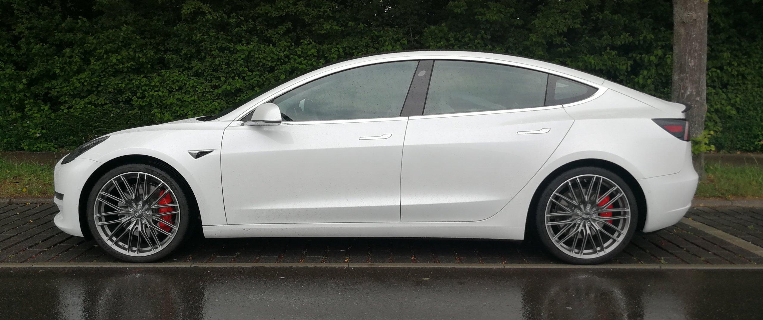 Tesla – Model 3 – Weiß – OZ Racing –  – Anthrazit – 20 Zoll