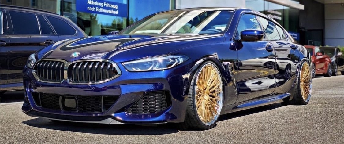 BMW – 8er – Blau – AD FORGED WHEELS – Typ 5.1 – Royal Gold Brushed – 21 Zoll