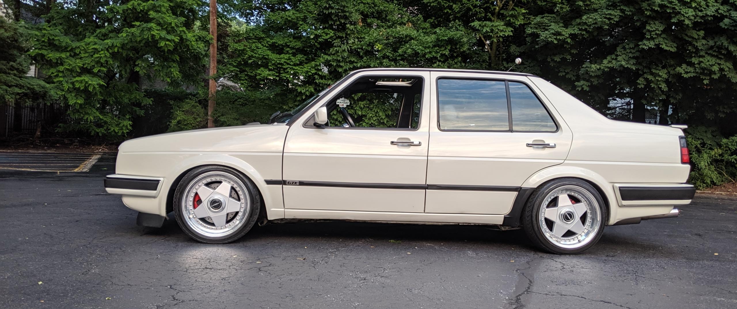 VW – Jetta – Beige – BORBET – A – Silber – 16 Zoll